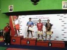 Juara & 2 Semifinalis TTA USM Semarang Open 2015_resize